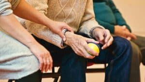The Benefits and Drawbacks of Keeping Elderly Parents in Nursing Homes